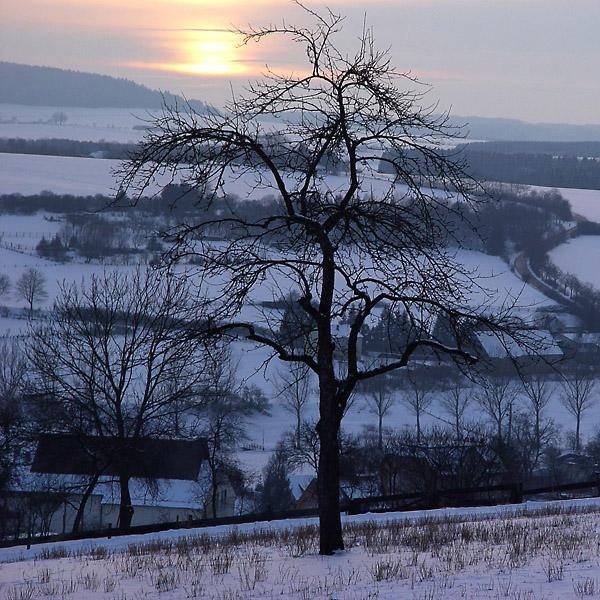 Winterlicher Sonnenuntergang auf der Ostalb